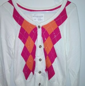 White blouse with two color patterns button down